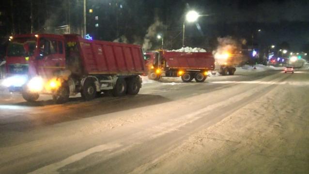 Фото 20 и 21 февраля в Кирове снег вывезут с 17 улиц
