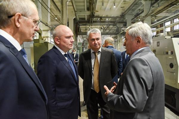 Фото Замминистра промышленности РФ посетил кировские заводы