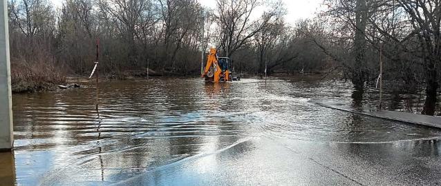 Фото За сутки уровень воды в Вятке снизился на 9 сантиметров