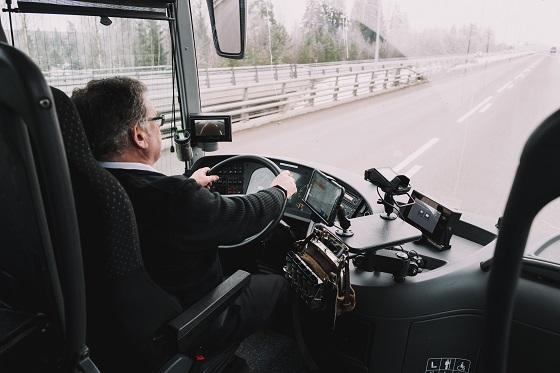 Фото Владимир Уйба поручил поднять зарплату водителям автобусов и разработать механизм их отбора