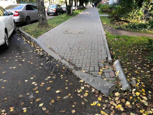 Фото Прокуратура обязала «Гордормостстрой» отремонтировать тротуары в Нововятске