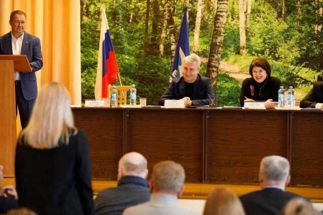 Фото Рахим Азимов окажет содействие в реализации проектов военно-спортивного клуба «Этап» в г. Слободском