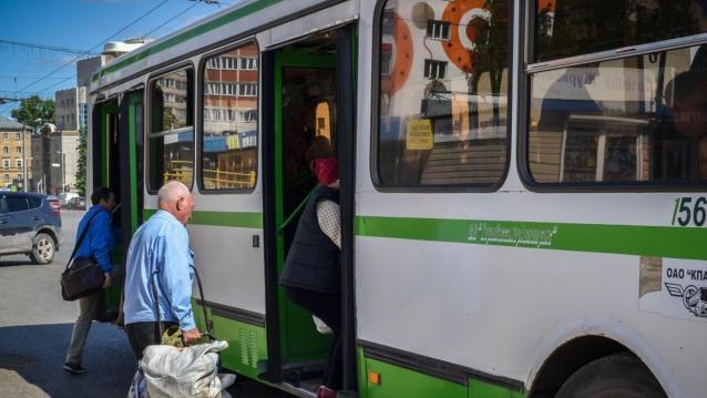 Фото Депутаты гордумы: годовые контракты с перевозчиками могут похоронить общественный транспорт в Кирове