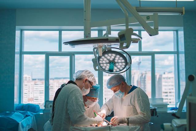 Фото В Кировской области врачи удалили полуметровую опухоль яичника