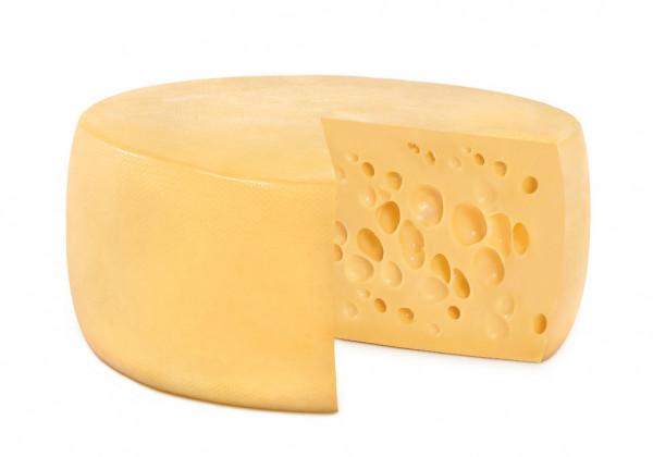 Фото В Коми мужчина украл из магазина сыр и съел его