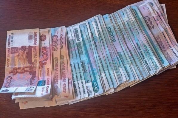Фото В Коми женщина-кладовщик похитила с предприятия более 230 тысяч рублей