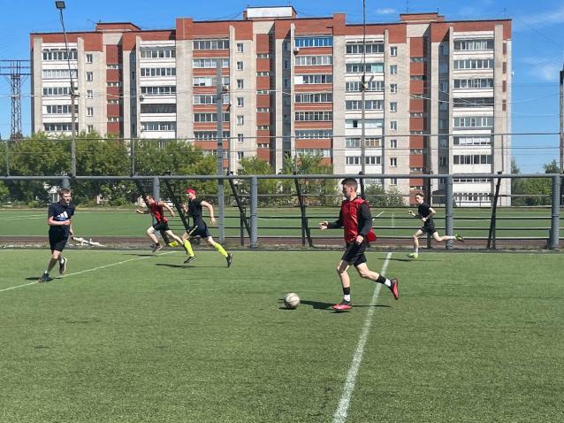 Фото При поддержке Рахима Азимова в Кирове прошел турнир по дворовому футболу