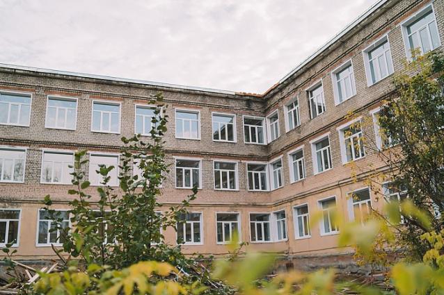Фото Мэрия Кирово-Чепецка разорвала контракт с недобросовестным подрядчиком из-за срыва сроков ремонта школы №7