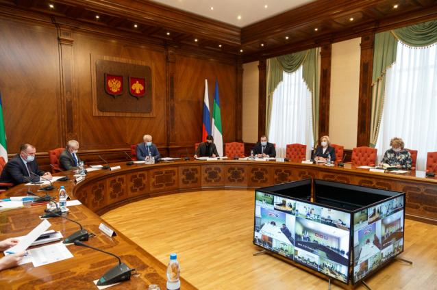 Фото Глава Коми призвал мэров и глав районов лично следить за ходом отопительного сезона