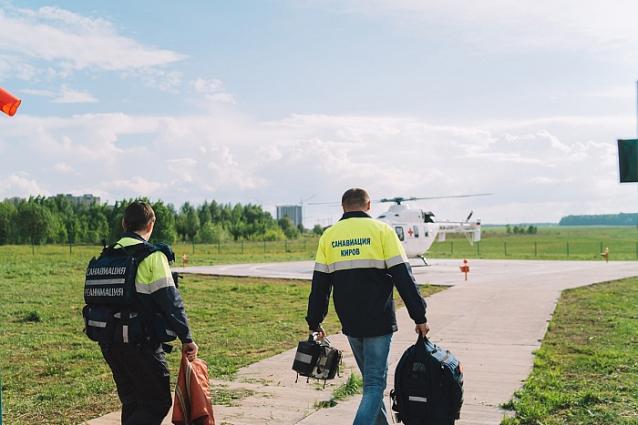 Фото В Кировской области санавиация спасла жизнь 90-летней жительницы Лузы