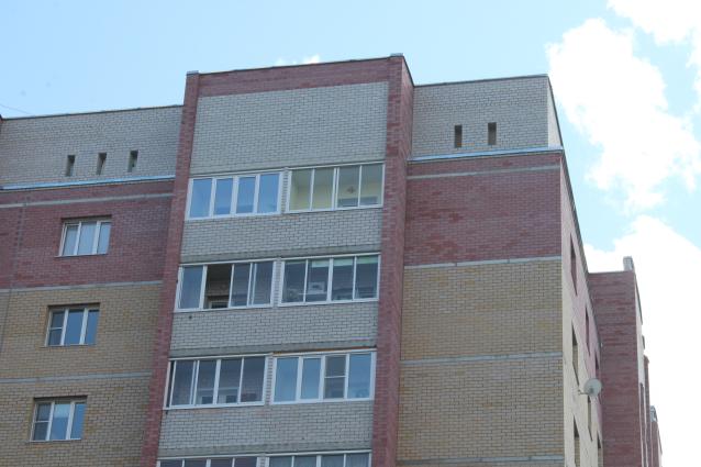 Фото В Сыктывкаре из окна высотки выпала 14-летняя школьница