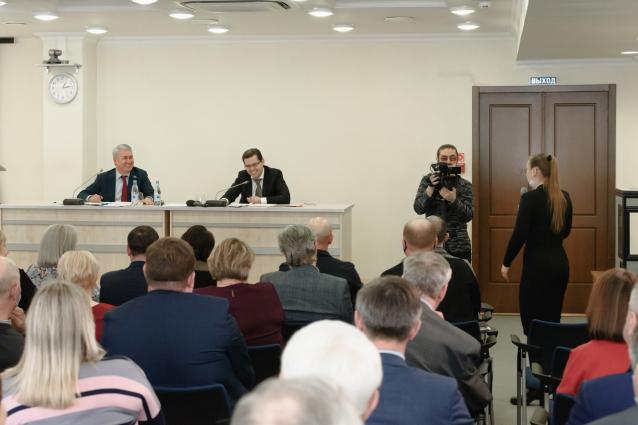 Фото Рахим Азимов отчитался перед избирателями за 5 лет работы