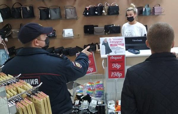 Фото В Кирове продолжаются рейды по соблюдению масочного режима