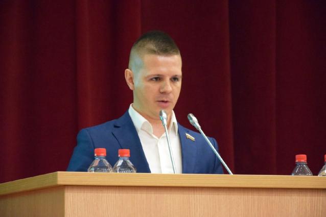 Фото В Справедливой России предложили сократить платные должности в ОЗС