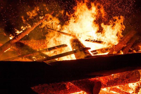 Фото В частном доме в Сыктывдинском районе горел потолок