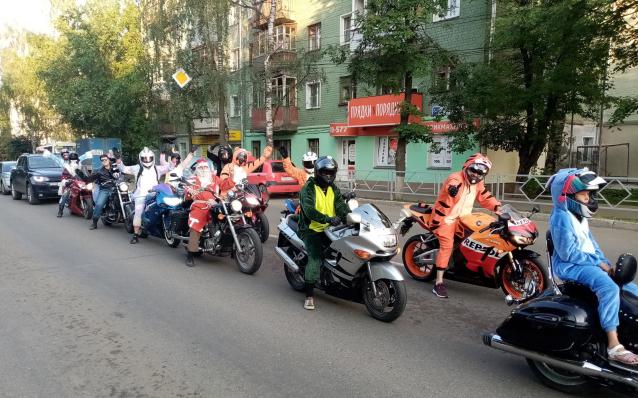 Фото В Кирове прошёл мотопробег в костюмах кигуруми