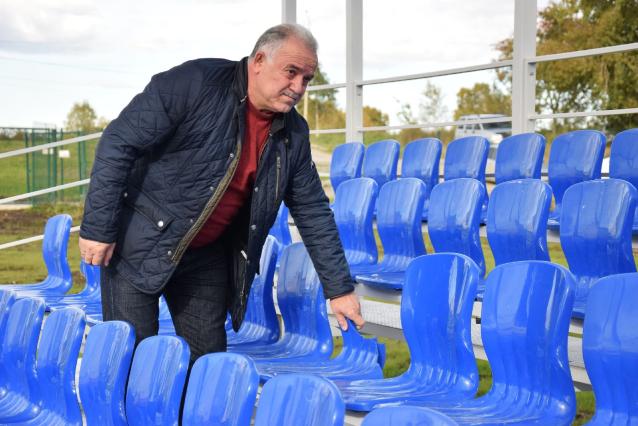 Фото В Ухте на новом стадионе сломали сидения для зрителей