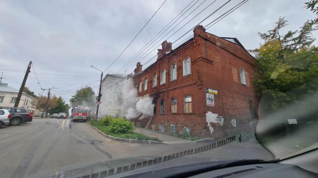 Фото В Кирове по факту пожара в доме Ездакова могут возбудить уголовное дело