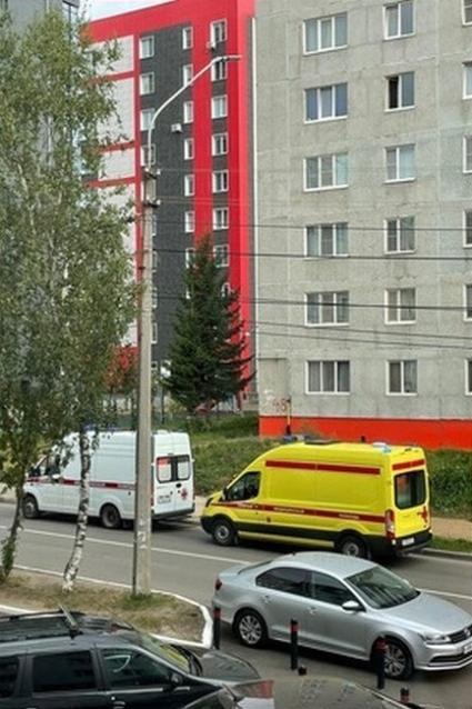 Фото В Сыктывкаре мужчина погиб после падения из окна