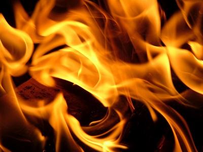 Фото На пожаре в Воркуте огнеборцы спали женщину