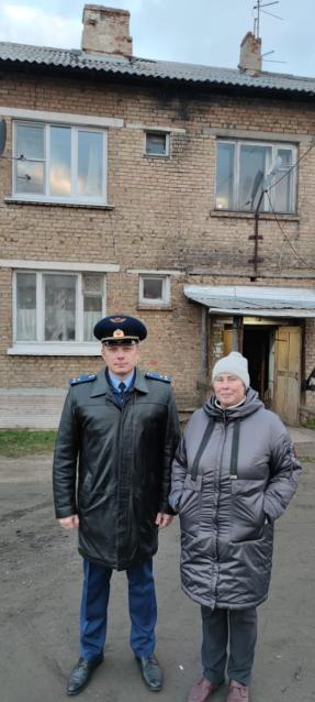 Фото В Сосногорске прокуратура помогла женщине-инвалиду добиться ремонта кровли