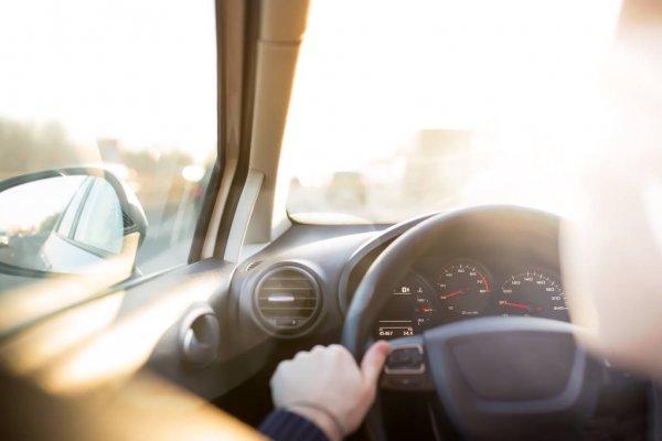 Фото В Воркуте нетрезвый водитель «прокатил» полицейского на капоте