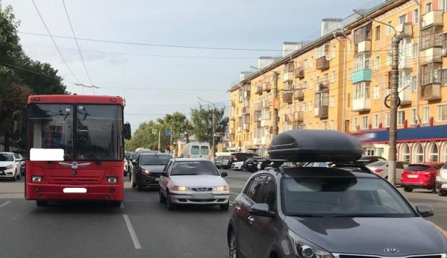 Фото В Кирове пассажирка получила травмы после падения в автобусе