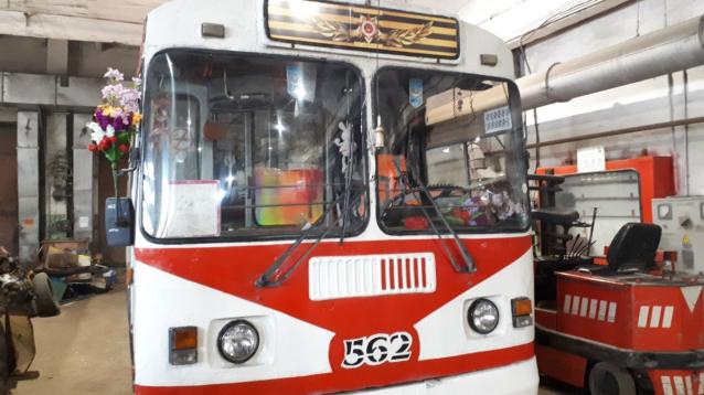 Фото В Кирове 9 мая с 11 часов будет ездить праздничный троллейбус