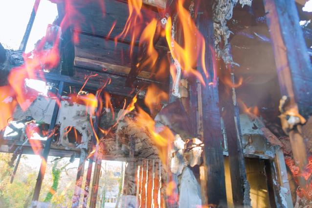 Фото В Санчурске при пожаре в жилом доме погиб мужчина