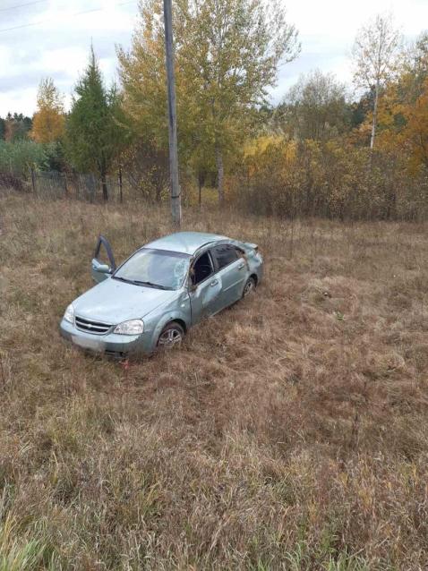 Фото В Кирове водитель «Шевроле» вылетел в кювет и погиб