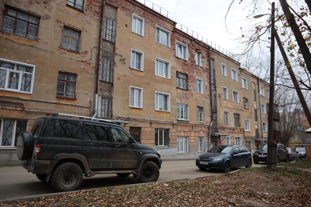 Фото В Кирове жители дома на Кутшо, 2 замерзают в своих квартирах