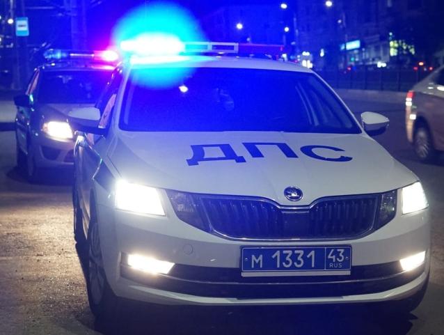 Фото В Юрьянском районе полиция стреляла по колёсам машины нарушителя