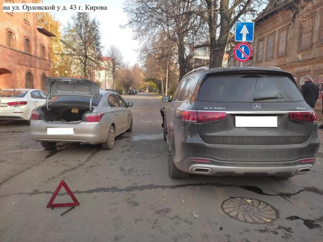 Фото В Кирове в ДТП на Орловской пострадала женщина-водитель