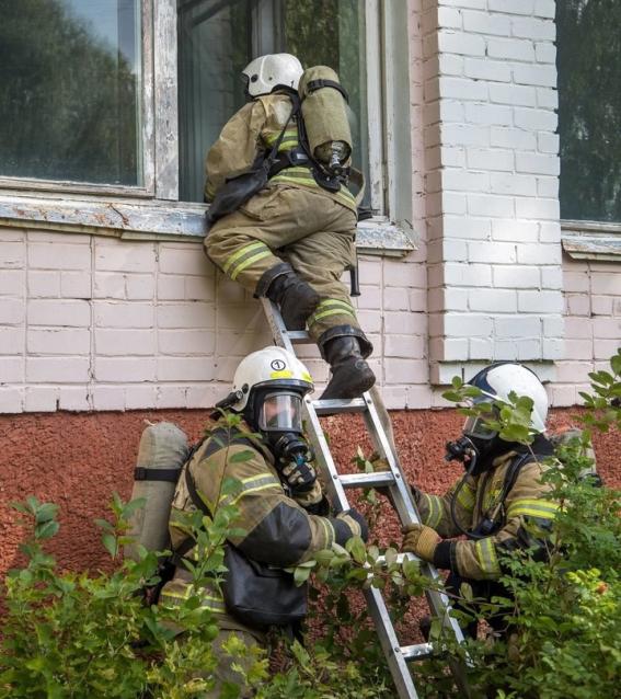 Фото В школе № 5 посёлка Костино прошли пожарные учения
